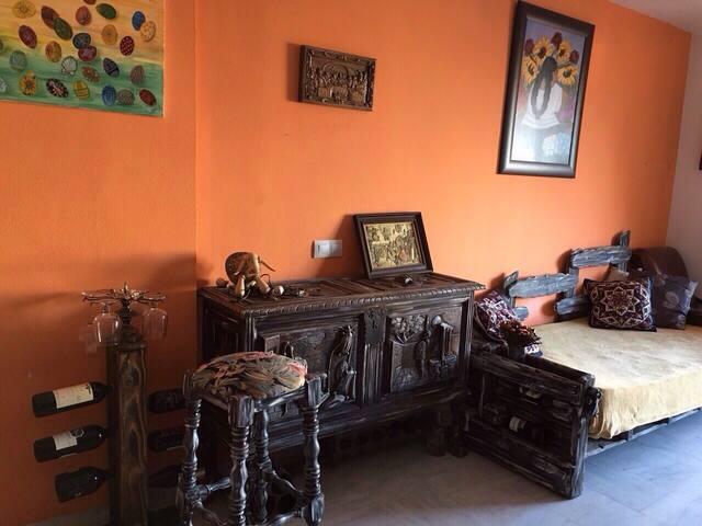 Cozy room in private house - Benalmádena pueblo - House