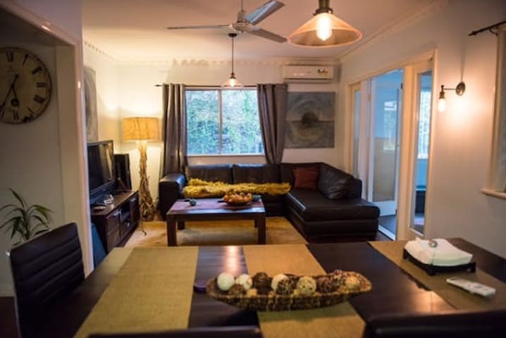Inner city private room in a beautiful home