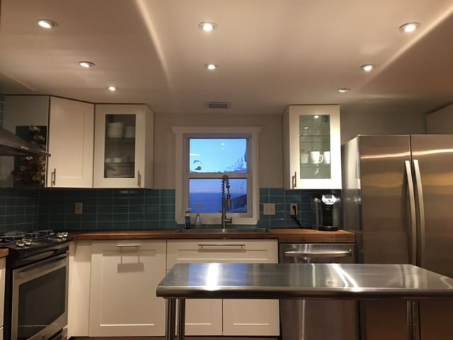 Stunning 3 bed/2 bath oasis for the whole group