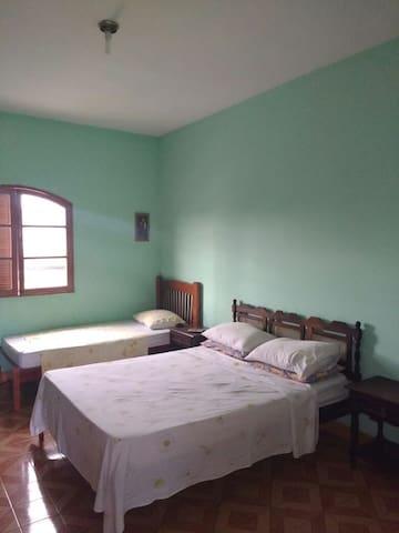 Casa próximo à Aparecida e Santuário Nacional