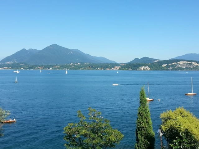 Lake view house - Stresa - Hus