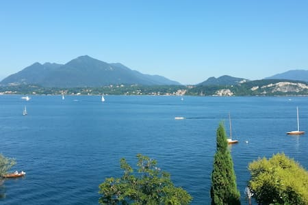 Lake view house - Stresa - Talo