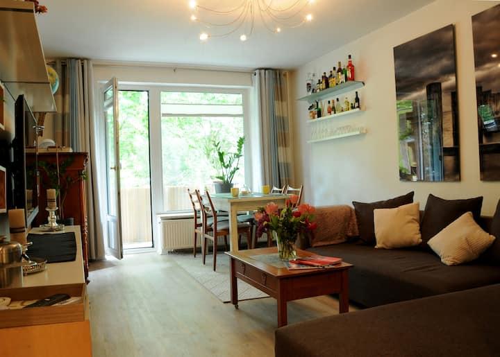 Gästezimmer m. Balkon, zentral und ruhig