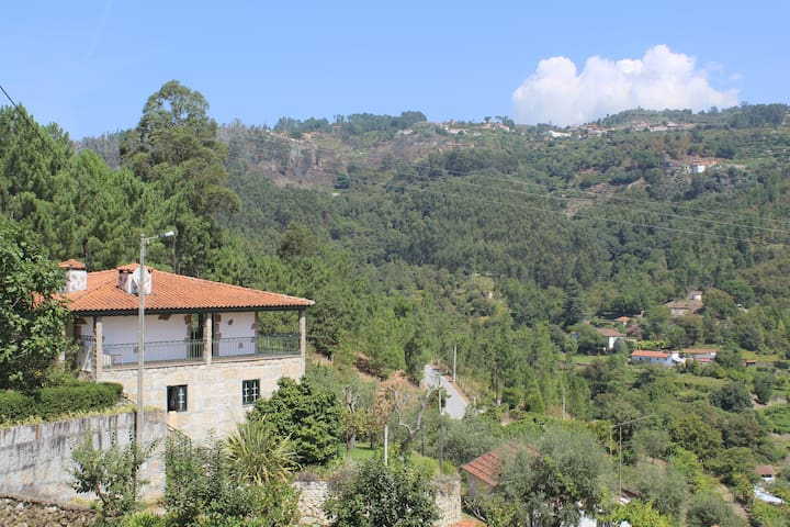 Douro Valley Home - Room with private bathroom