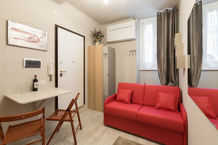 Tiny New Studio Super Comfortable