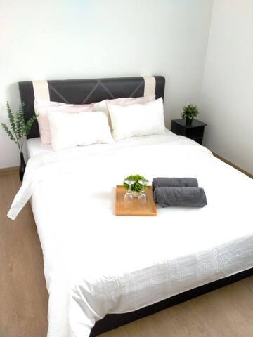 Master bedroom ( air cond)
