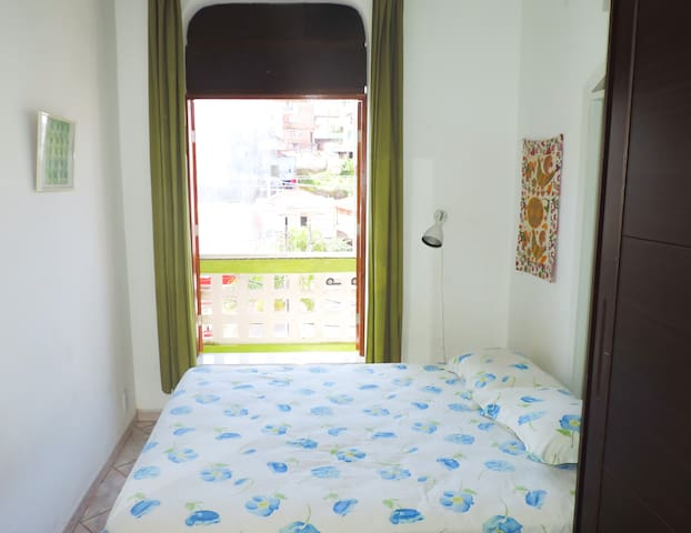 Double room with balcony in Barra!
