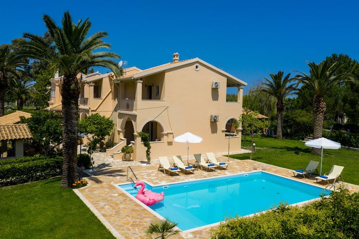 Beach Villa Marina: Near Beach, private pool, A/C