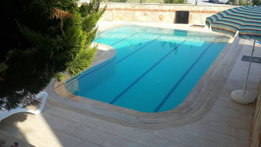 Ozel havuzlu bahceli mustakil yazlk - Kuşadası - Hus