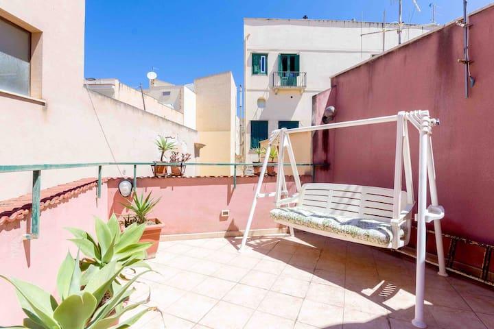 Appartamento carino in cortile fondaco zona centro