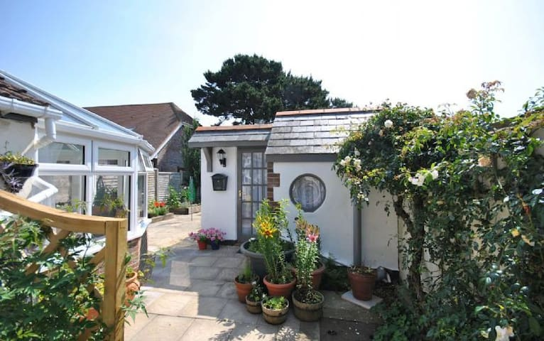 Rose Cottage, Selsey - Selsey