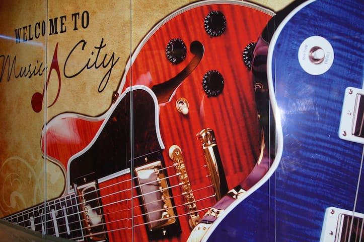 Franklin - Nashville Guidebook