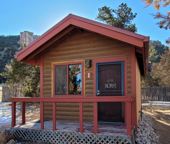 """Stunning Scenery, Great Location & Café, Cabin 1"""