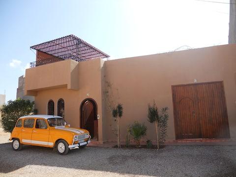Bijou berbère- Maison typique, lumière et confort