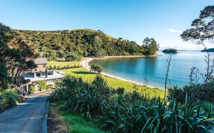 Te Mana - Beachfront House