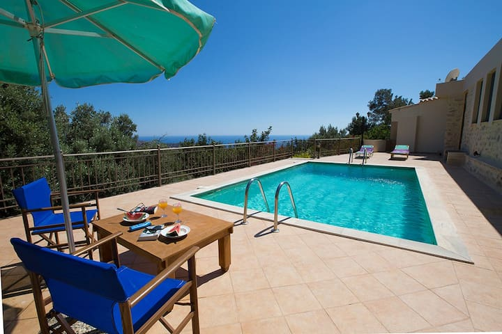 Villa - 3 km from the beach - Triopetra - Villa