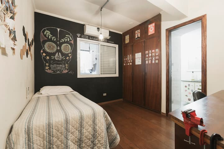 Cozy Twin Bed Suite in Pinheiros