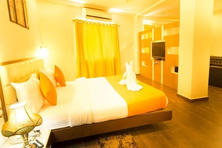 CHAS Rajdarbar Hotel & Banquets - 大吉岭 - 精品酒店