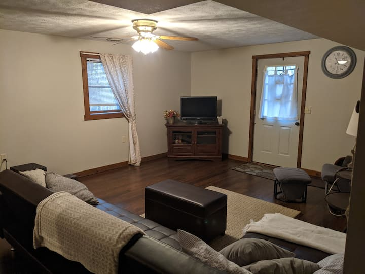 Basement Apartment *conveniently near Shipshewana*