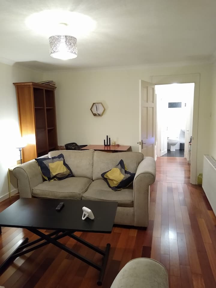 2 bed flat at the start of the West Highland Way!
