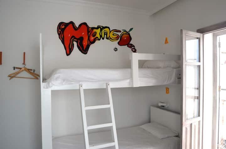 La Cocotera Boutique Hostel & Coworking | Hab. Cuádruple con baño compartido