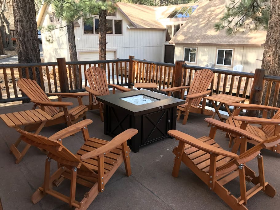 UPPER DECK SEATING & FIRE PIT