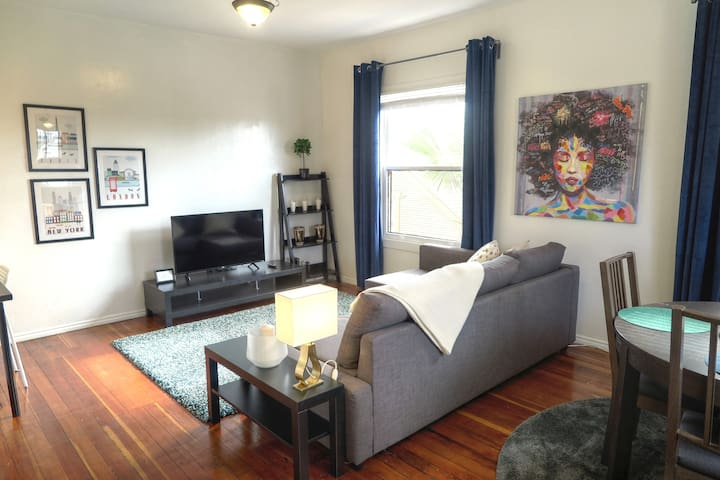 5 min to Downtown | Bright and Stylish 1BD/1BA