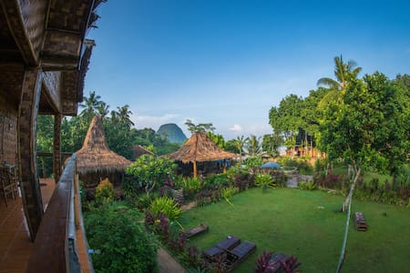 Red Island Surf Camp- 1 Person Ocean Balcony Room - Pesanggaran