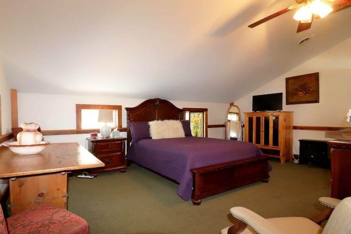 Lever Suite - The Hann Homestead Inn