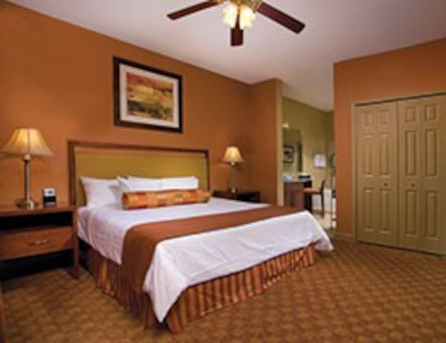 COMFY KING BED IN MASTER BEDROOM