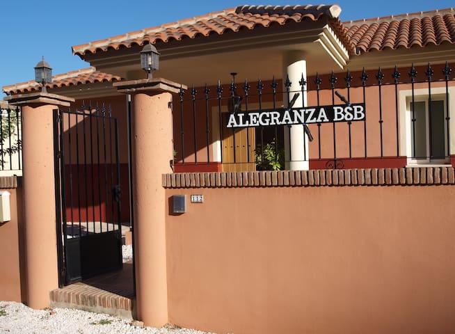 Coin, Alegranza Bed & Breakfast (2PPB)