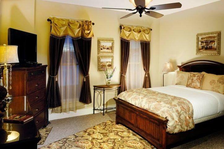 """""""Heritage"""" Main Floor Room - Queen Bed."""