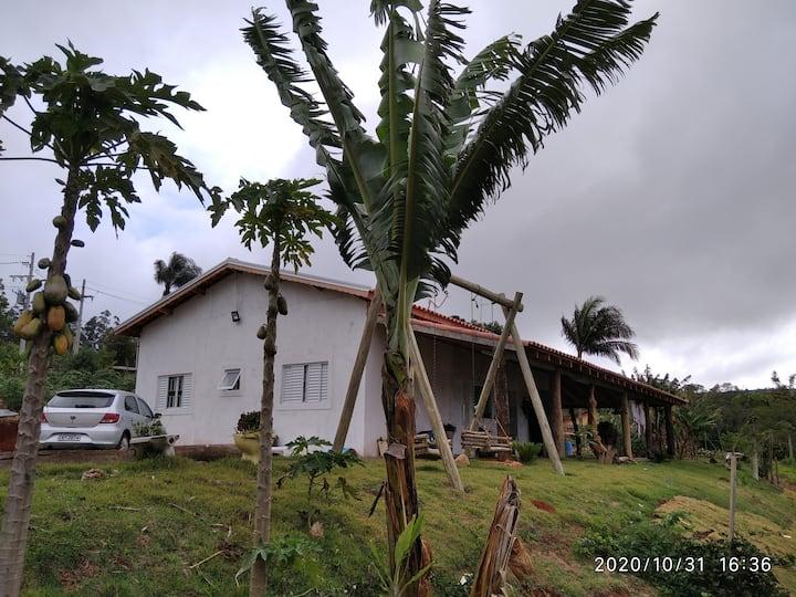 Casa de campo completa próxima ao P.Carlos Botelho