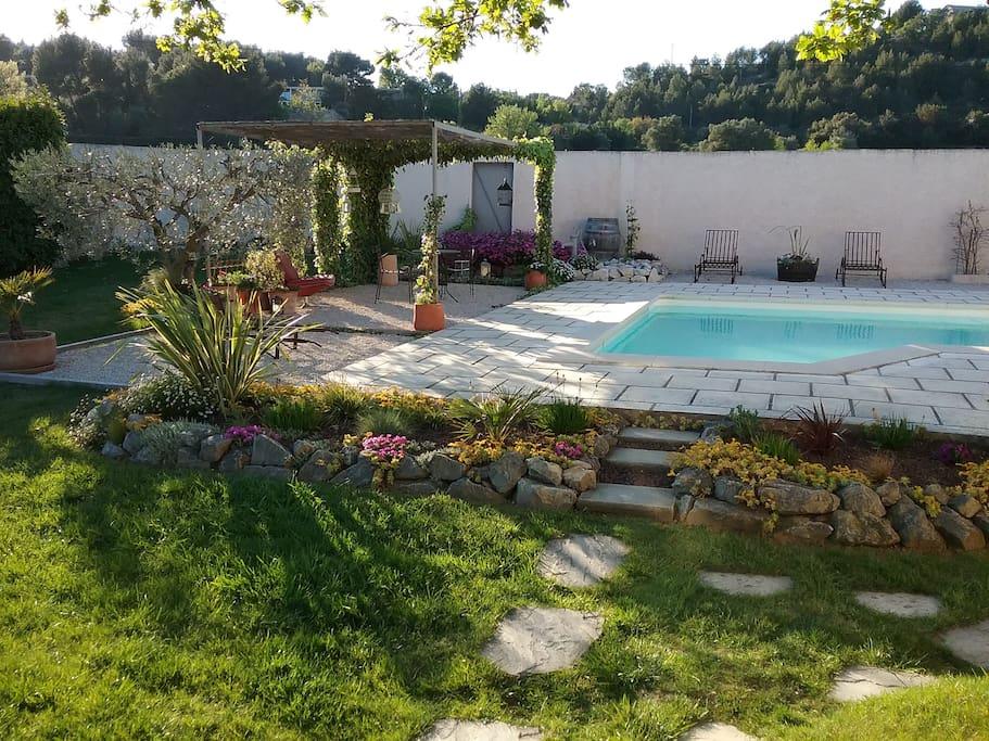 Villa de 140m2 avec piscine sur terrain de 1800m2 talot for Piscine de rochefort