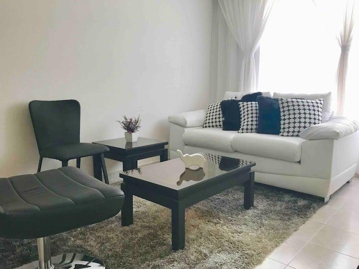 Comfortable room/private Bath. Center La Calera