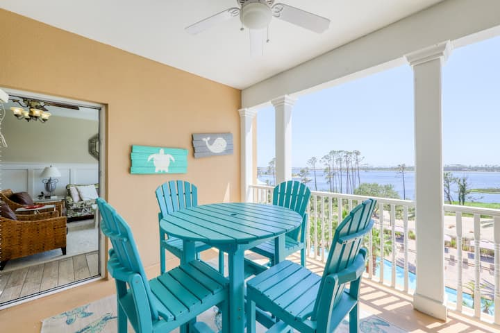 Elegant condo w/ amazing water views, shared hot tub & pool - great for golf!