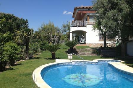 Villa for rent in Costa Brava - Santa Cristina d'Aro