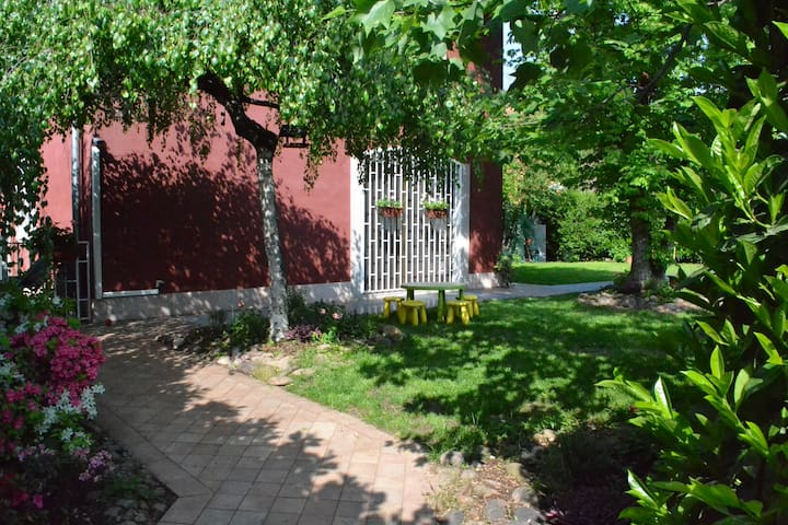 Villa /Apartment with 3 Bedrooms near Fiera Milano - Rho - Townhouse