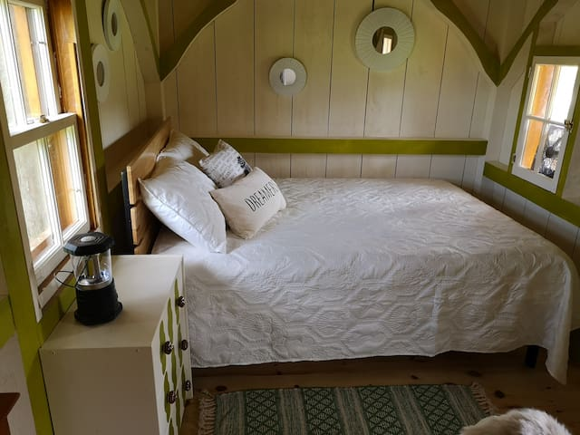 Munro Bunkie Bed and Dresser