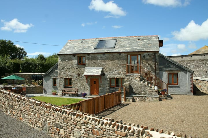 Barn conversion in North Cornwall - Pipers Pool - Ev