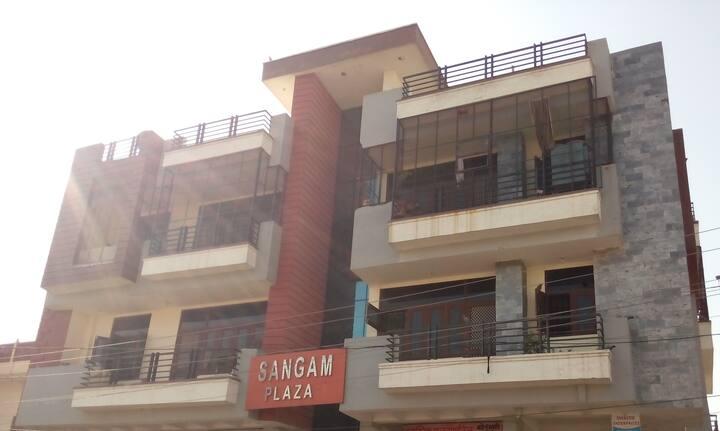 F1 Sangam Plaza