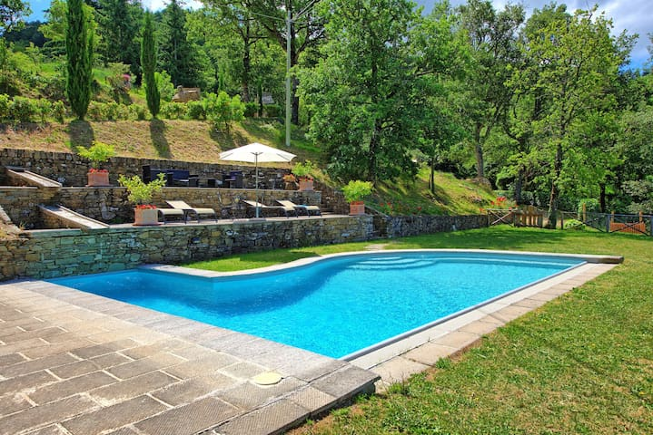 Villa Margherita - Country House with private swimming pool in Cortona, Tuscany