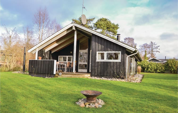 Holiday cottage with 3 bedrooms on 70m² in Græsted