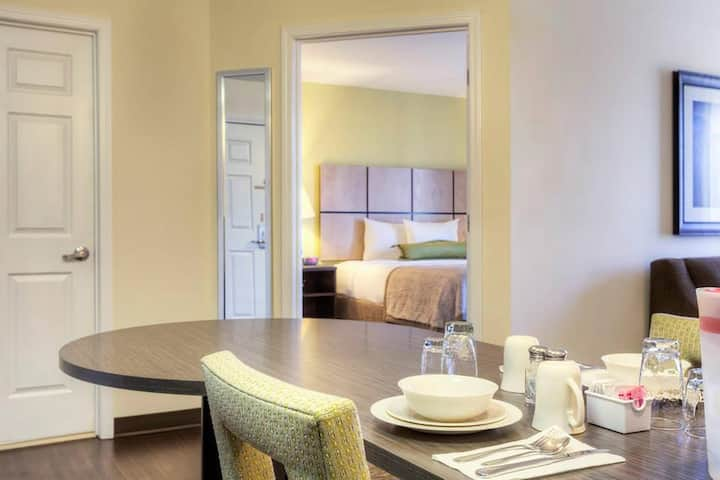 Good-Looking Suite Two Double Beds Non Smoking At Mooresville