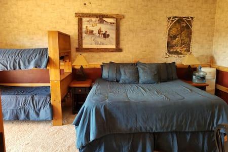 Sunlit Oasis: Homestead Room