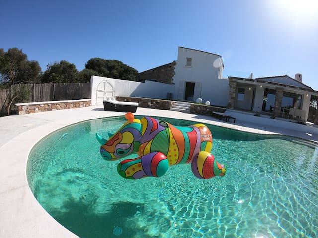 Villa di lusso  con piscina  a 1 km dalla spiaggia