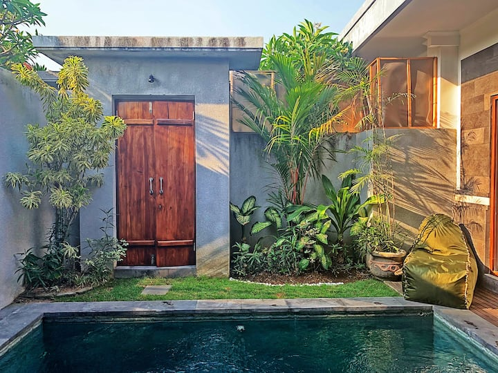 AMOEBA VILLA BALI-1BR FREE PICK UP AIRPORT