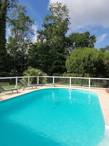 Villa  piscine chauffée, jacuzzi sans vis-à-vis