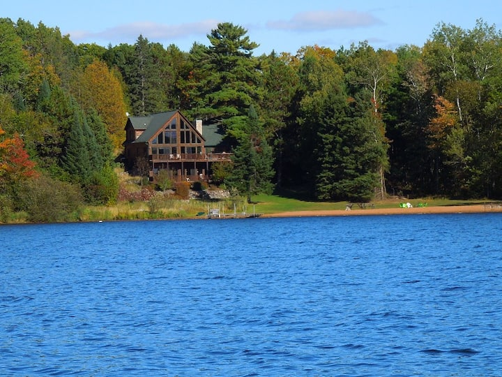 Majestic Retreat- Sandy Beach on 5,000 Acre Lake