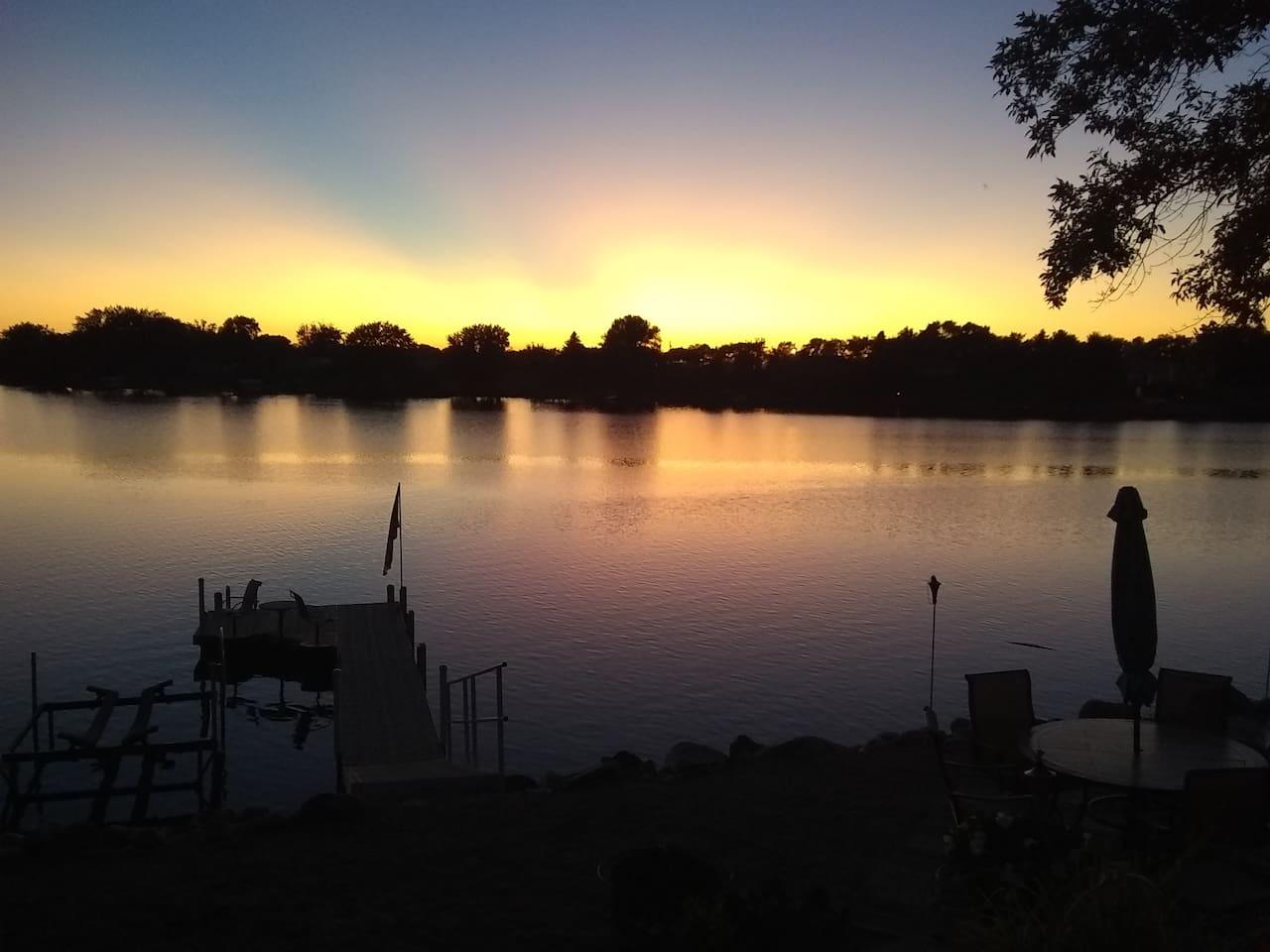 Beautiful sunsets at Mina Lake